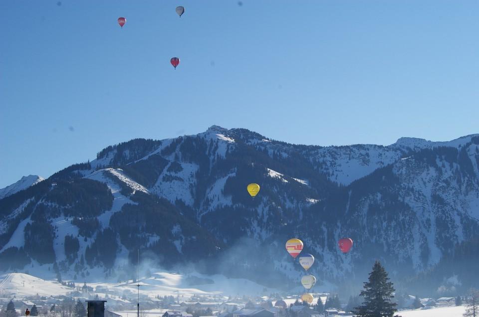 Ballonglühen über  Grän zum NeuJahrSchneeLanglauf  Januar 2016