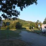 Übernachten 30.07. auf 31. an der fränkischen Saale, ein hübscher Ort namens... direkt an der Saale, wo sogar für Kanuten ein Zeltplatz mit Toiletten eingerichtet wurde, ein toller Beginn unserer Reise, die gegen 20.30 Uhr in RT begann...